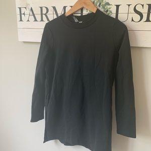 3/20 ASOS euc sz 8 black crew neck sweatshirt